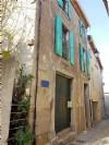 Jolie maison de village en très bon état avec 93 m² habitables, atelier et terrasse avec vues.