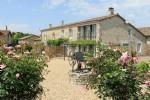 Complexe vacanciers avec 3 gîtes indépendants et maison de 4 chambres - Charente