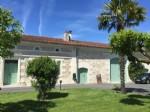 Maison de campagne sur 2,5HA env. Limite Dordogne/Charente.
