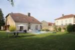Maison de caractère avec piscine proche ville thermale