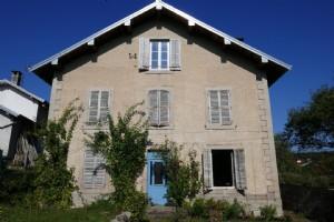 Maison de village à finir de restaurer, secteur calme