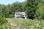 A vendre en Auvergne, immediatement habitable, ancien moulin a eau avec 4500m2 de terrain