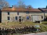 A vendre dans la Creuse a, a renover, maison en pierre avec grange et environ 615m2 de terrain