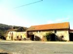Maison habitable de suite a vendre en Auvergne avec dependance a renover et jardin avec belle vue