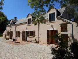 Cette charmante maison se situe dans le sud de l'Indre, dans un endroit calme et sans vis a vis