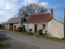 Maison individuelle dans un hameau, avec beaucoup de dépendances et de superbes vues