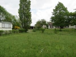 Charmante maison individuelle de 2 chambres avec caravane statique et terrain (8428m2)
