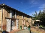 Ferme de caractère, entièrement rénovée, avec dépendances et piscine, à 40 km de Toulouse