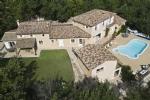Grande propriété comprenant deux villas dans la campagne Provençale