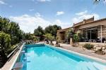 Situation exceptionnelle pour cette villa haut de gamme avec 2 gîtes sur 4686 m² avec vues !