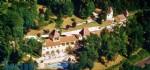 Proche Sarlat. Magnifique propriété avec hotel restaurant - appartements et maisons d'habitation