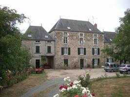 Ancien Moulin avec dépendances et terrain 6 Ha. 5 min Moncoutant