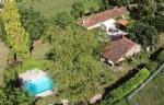 Sans voisinage. Maison de campagne,maison d'amis, piscine et dépendances. Sud Charente