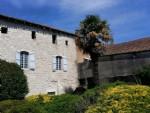 Belle maison de ville à rénover à Issigeac avec jardin de 200m2 et proche des commerces