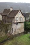 Proche Figeac, petite maison en pierre à terminer de rénover