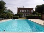 Maison bourgeoise avec beau parc et piscine