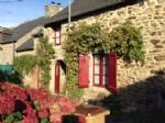 Plancoet- maison style cottage avec jardin.