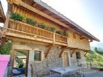 Cette charmante ferme rénovée est située dans un hameau sur les hauteurs de Vailly