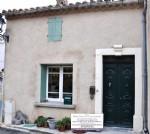 pacieuse maison en pierres rénovée avec 4/5 chambres, terrasse, garage et grenier aménageable !